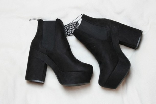 shoes black heels heels black booties boots platform shoes grunge black little short boots shoes nice stuff pretty fashion and gold little black boots heeled chelsea boots suede material black suede booties black boots heels heel boots chelsea boots tumblr