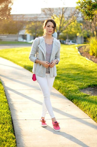 hapa time blogger white jeans grey jacket jacket top bag jewels