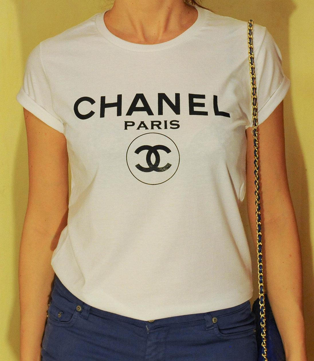 41d16de0fd1 Chanel Paris T-Shirt, Chanel T-Shirt, Woman tee, Woman Tshirt, style  Printed T-shirt