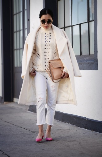 jeans nude sweater cropped bootcut white jeans cropped jeans cropped bootcut jeans white ripped jeans white jeans sweater coat white coat winter coat pumps pink pumps mid heel pumps sunglasses round sunglasses bag chloe bag chloe camel bag chloe faye bag cropped bootcut ripped jeans