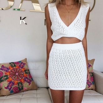 top on point clothing skirt crop tops white crochet mini skirt body chain summer summer outfits pretty girly blonde hair fashionista beach instagram tan tumblr