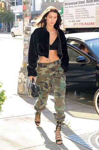 jacket camouflage camo pants bella hadid streetstyle model off-duty sandals top crop tops