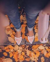 shoes,tumblr,pointed flats,flats,pink shoes,velvet,velvet shoes,pointed toe,pointed toe flats,cats,pastel pink,fall accessories