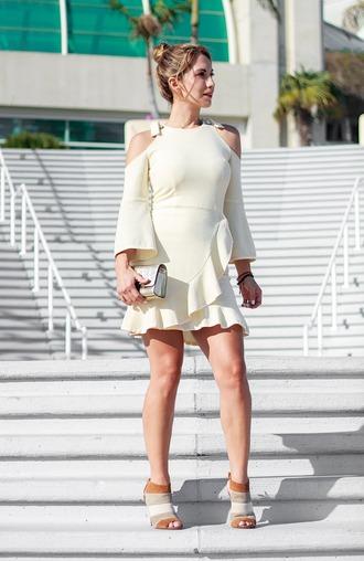 thefashionstatement blogger dress shoes bag cut out shoulder clutch mini dress summer outfits