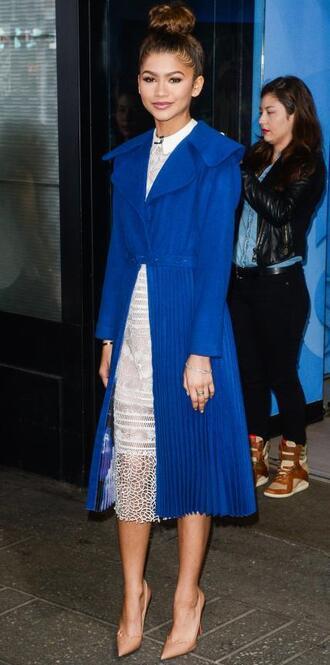 coat dress zendaya