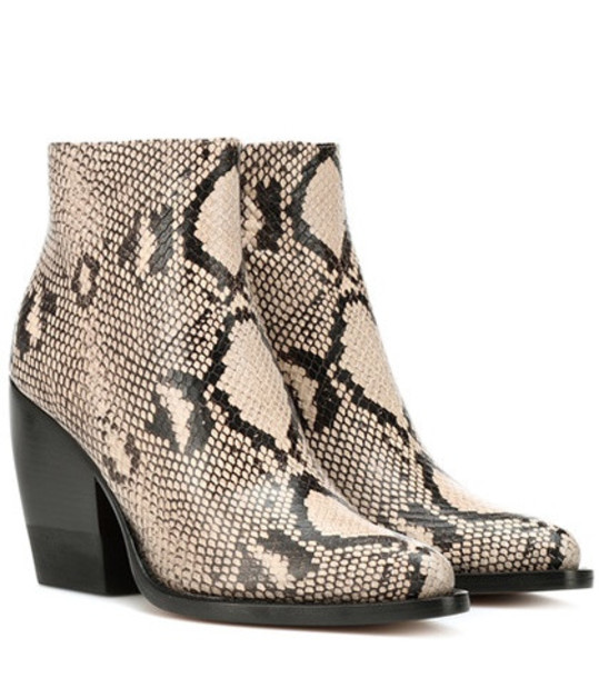Chloé Rylee embossed leather boots in grey