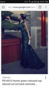 dress,green,hunter green top,lace,beautiful,long,prom dress,prom,tight,mermaid prom dress,mermaid,hunter green lace up dress