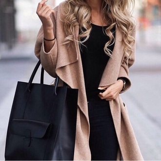 cardigan beige cardigan blonde hair black bag