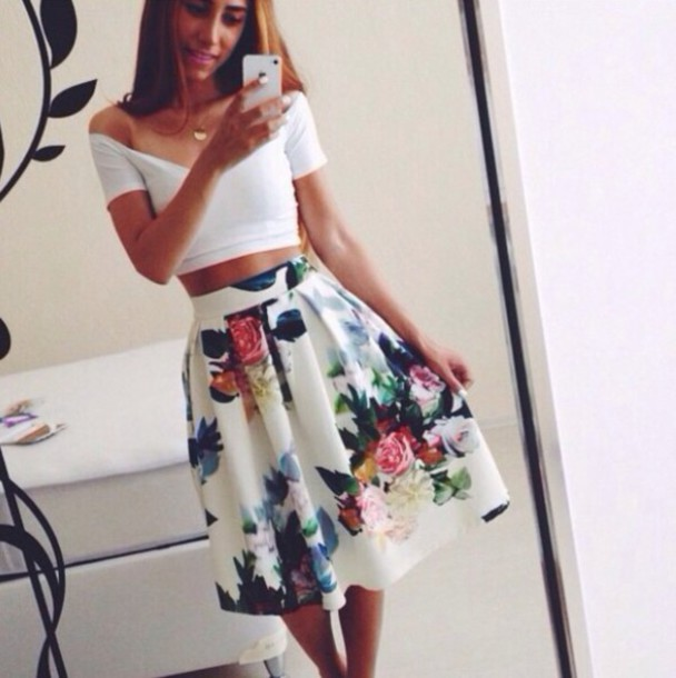 top white t-shirt white top tight tight top t-shirt floral crop tops midi skirt roses skirt dress flowers white skirt floral dress floral skirt fashion print printed skirt floral floral print skirt floral long skirt brow knee skirt blouse white