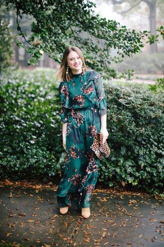 polishedclosets blogger dress shorts shoes bag jewels fall outfits clutch green dress maxi dress