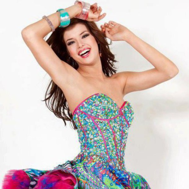 Online clothing stores – Where to buy a prom dress online