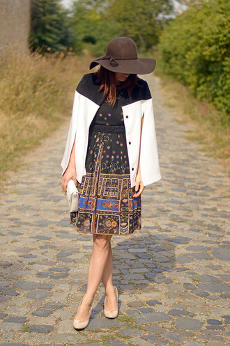 new touch of color blogger dress cape felt hat