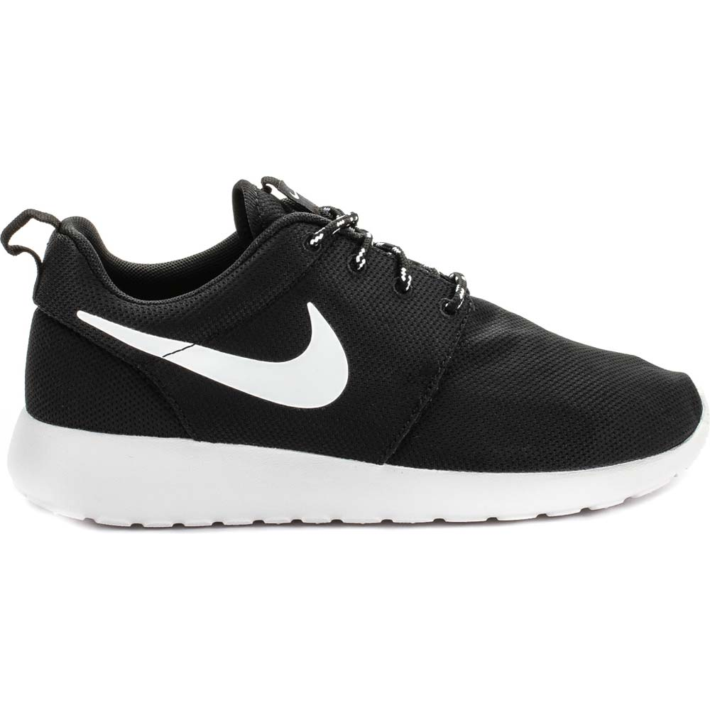 womens black and white roshe run