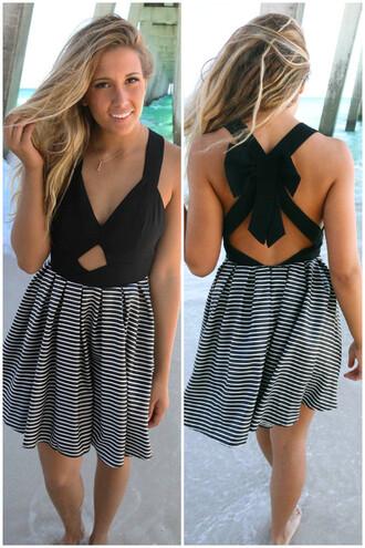 dress amazinglace amazinglace.com black and white b & w summer beach bow back cut-out stripes swing dress