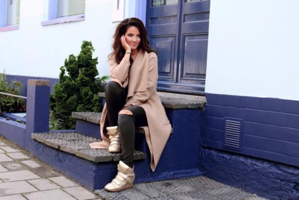 satisfashion blogger coat jeans shirt shoes