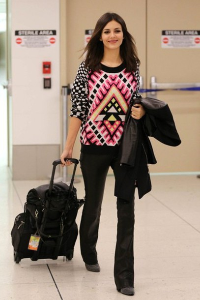victoria justice pullover sweater pants