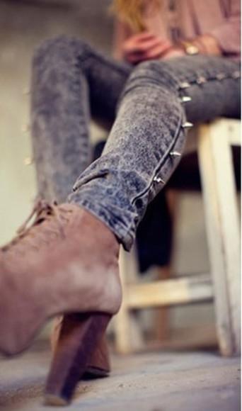 jeans grey jeans clous sur le cot?