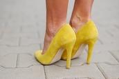 shoes,heels,yellow