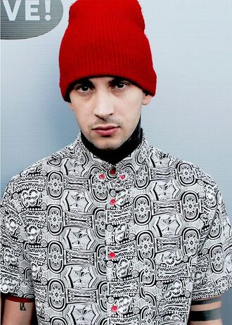 shirt tyler joseph celebrity singer black and white printed shirt mens shirt beanie red beanie