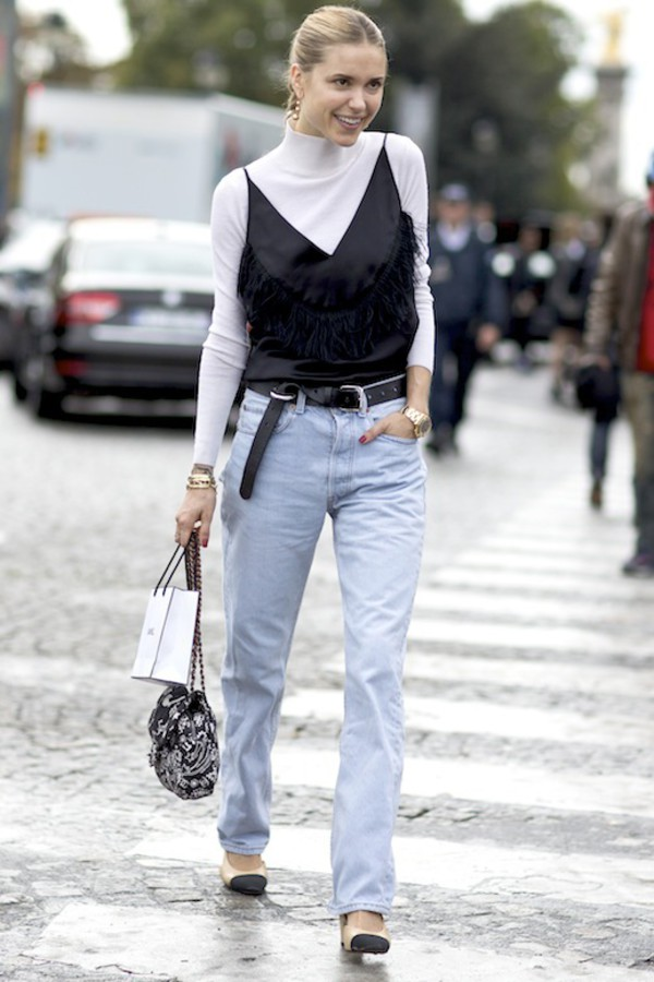 le fashion image blogger tank top belt jeans shoes