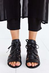 shoes,black shoes,leather shoes,minimalist shoes,jeffrey campbell,lace-up shoes,peep toe,minimalist,all black everything,cropped pants