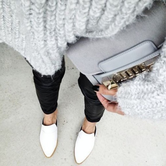 sweater white grey sweater jumper grey grey jumper monochrome black black jeans black wax jeans pants white shoes pointy toe shoes grey bag bag shoes