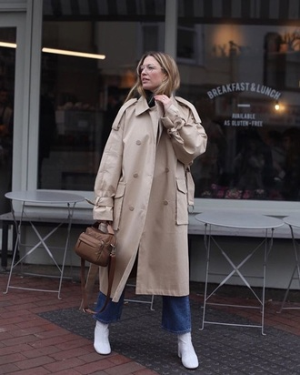 coat oversized coat oversized blue jeans boots white boots trench coat jeans