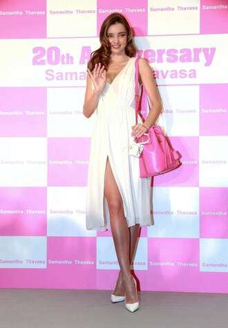 white dress white shoes miranda kerr bag