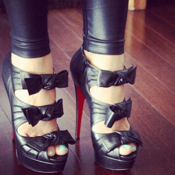 shoes bow heels stilettos black heels black