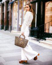 bag,leopard bag,pants,white pants,topw,white top,shoes