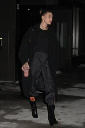pants,hailey baldwin,model off-duty,all black everything,coat,oversized,sweatshirt,fall outfits