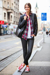 shoes,red converse,converse,red sneakers,sneakers,low top sneakers,leggings,black leggings,leather leggings,top,white top,shirt,red shirt,tartan,plaid shirt,plaid,jacket,black jacket,quilted,bag,casual,fall outfits
