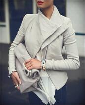 jacket,picnic clutch,leather jacket,grey,glasses,monochrome,blouse