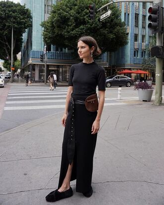 skirt black top short sleeve black skirt long skirt top belt black shoes shoes earrings