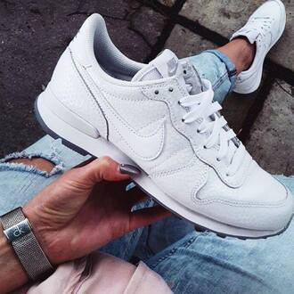 shoes nike white fashion clothes celebrity brands sportswear fit bright fall outfits spring summer jeans watch blue girl nike shoes