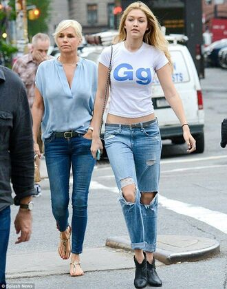 jeans denim blue jeans t-shirt gigi hadid gg white