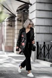 beige renegade,blogger,black leather jacket,sneakers,shoulder bag,black pants,studded jacket