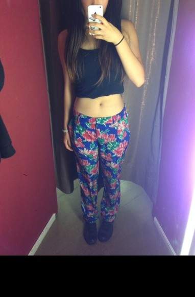 flowers floral cute colourful pants pretty pants comfy pants pretty beautiful converse converse high tops colourful pants trendy trendy pants hipster hippie Cool pants stylish pants