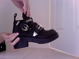 black shoes boots ceinture noir chaussures bottines kinda dark shiny