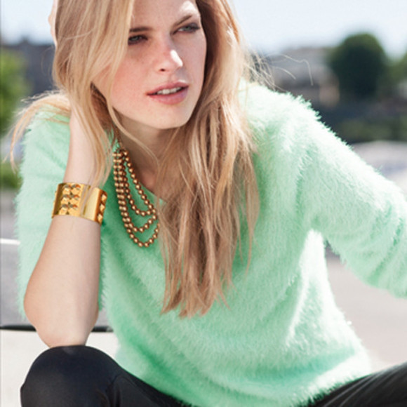 sweater green pastel plume