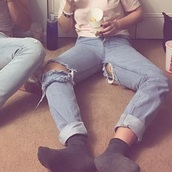 jeans,girlfriend jeans,back ripped jeans,front ripped jeans,denim,ripped jeans,boyfriend jeans,ripped