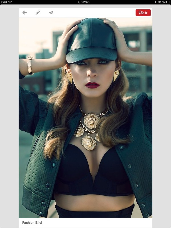 jewels necklace jacket underwear hat