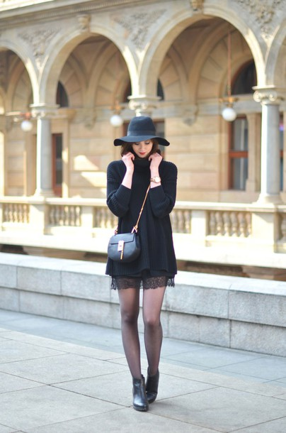 vogue haus blogger hat lace all black everything lace skirt skirt shoes bag jewels