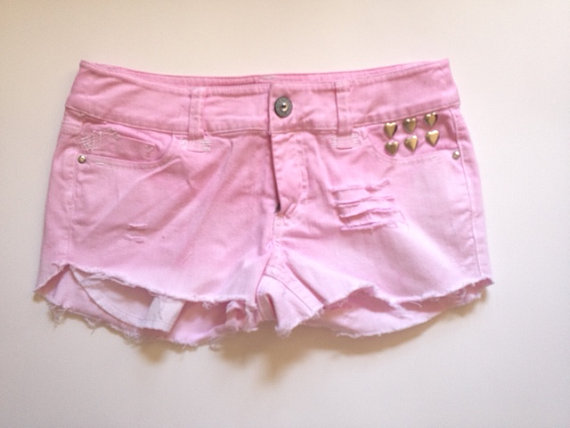 High Waisted Distressed Pink Ombre Shorts door CurlyQsCounter