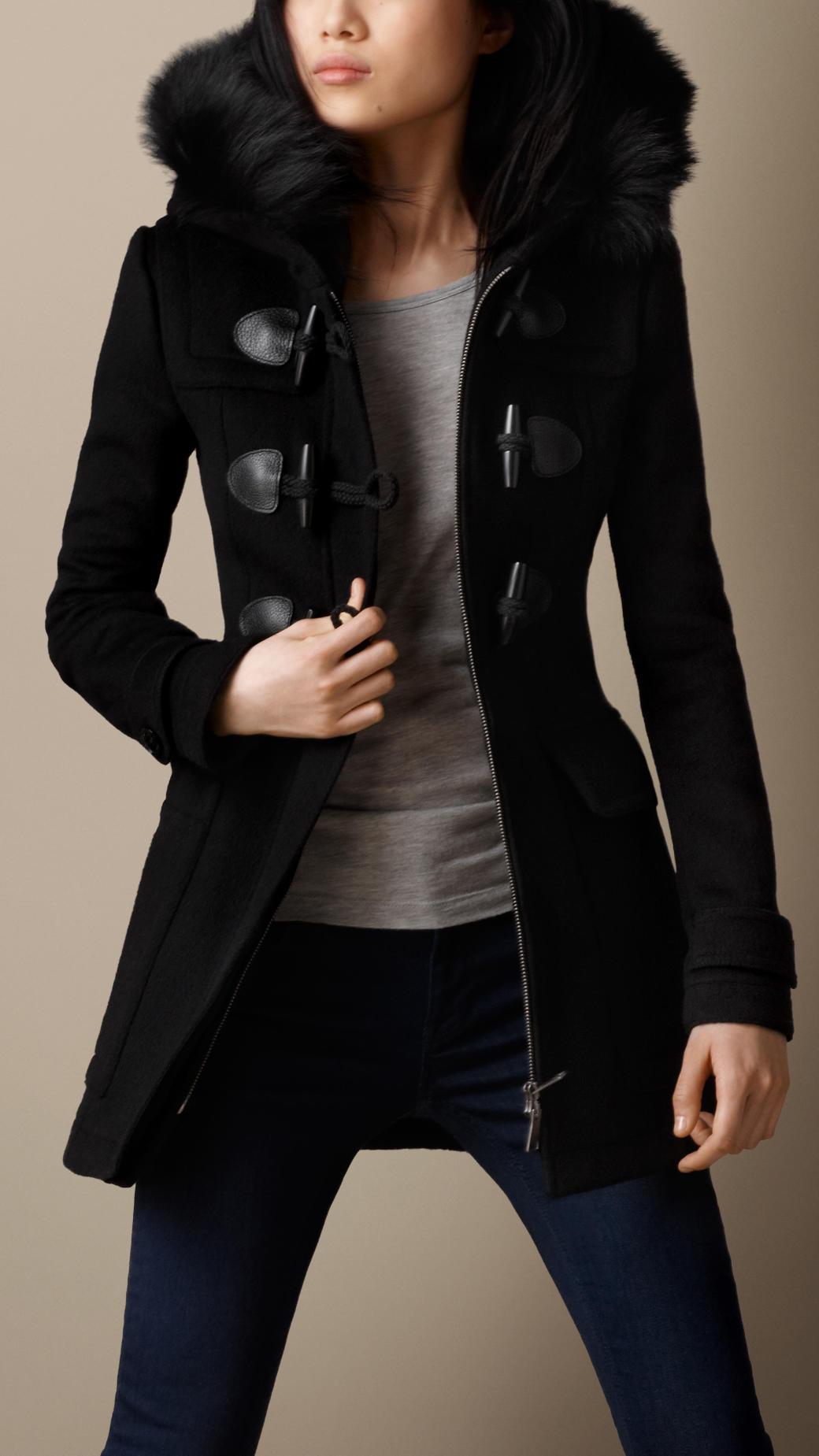 Detachable hood fur trim fitted duffle coat