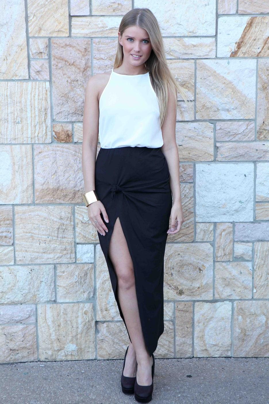 Black knot front maxi skirt