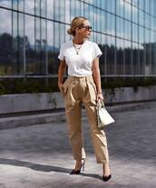 top,white t-shirt,oversized t-shirt,pants,high waisted pants,pumps,handbag,chain necklace,sunglasses