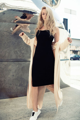 le fashion image blogger dress tank top jewels black midi dress black dress midi dress bodycon dress duster coat beige coat sneakers low top sneakers white sneakers peace love shea