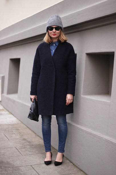 jane's sneak peak blogger jeans boyfriend coat black coat knitted beanie