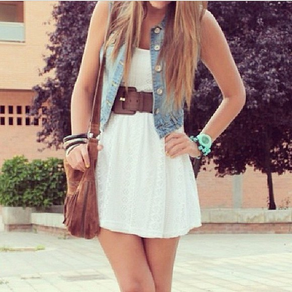 bag brown bag brown belt dress blue jean jacket denim, blue, jean, oversized denim jacket, oversized, vintage, levis, miley cyrus, comfy, jacket belt leather belts little mix dress white little white dress white dress country outfit country style braclet